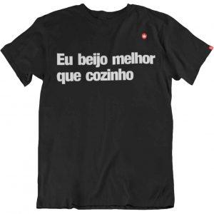 CAMISETA BEIJO MELHOR QUE COZINHO